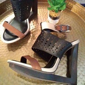 BCBGMaxAzria Shoes - BCBGMAXAZRIA Meteur 9.5 B platform heels
